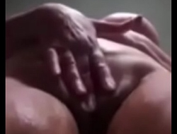 Desi Aunty Fingering Rubbing Pussy In Go to the loo