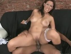 Big-dick fellow pleasing a mature maid