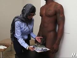 Arab muff endures hot fucking