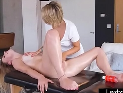 Hot Sex Action Between Teen Horny Lez Girls (Pressley Carter &amp_ Alex Blake) vid-28