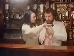 Barmaids jouir 1979